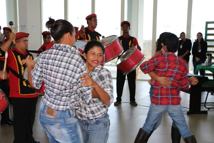 Dançarinas da banda