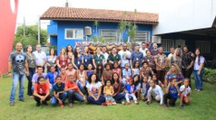Servidores do IFMS e da Escola Municipal Olyntho Mancini e estudantes