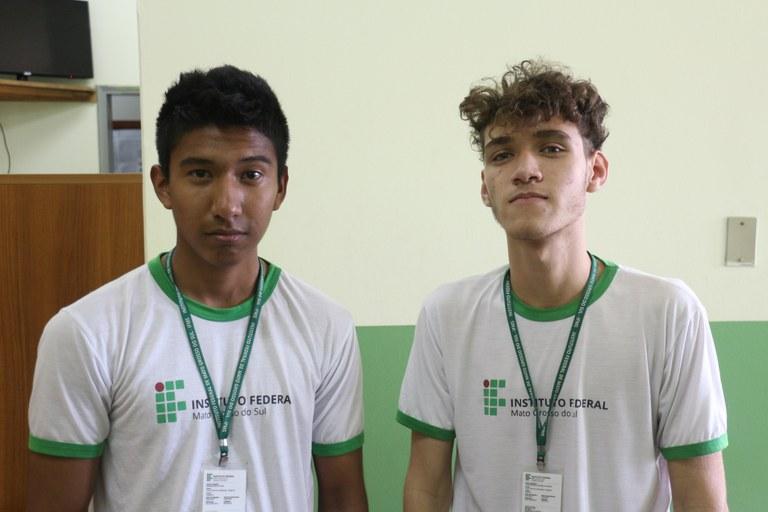 Estudantes conquistaram medalhas de prata e bronze na competição