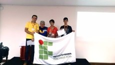A equipe do IFMS é formada pelo professor Rafael dos Santos e pelos estudantes Lucas Dias e Nycolas Fróes.