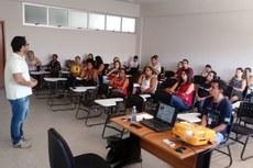 Mais de 20 professores da rede pública de Corumbá e região fazem o curso