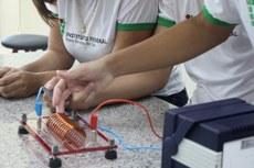 Treze trabalhos do Instituto vão participar da Feira Brasileira de Ciências e Engenharia (Febrace), maior delegação da Rede Federal no evento. MS também tem trabalhos de escolas públicas e privadas.